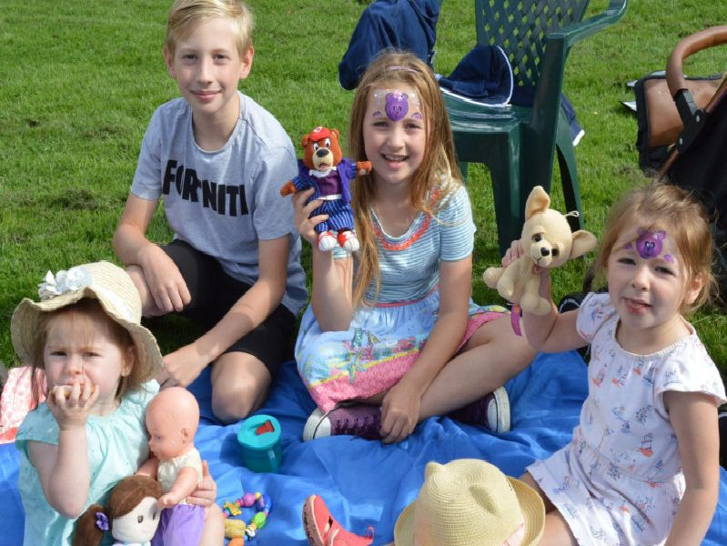 Miles and Maisie Bleu Warner with Phoebe and Mollie Harding are all smiles.
