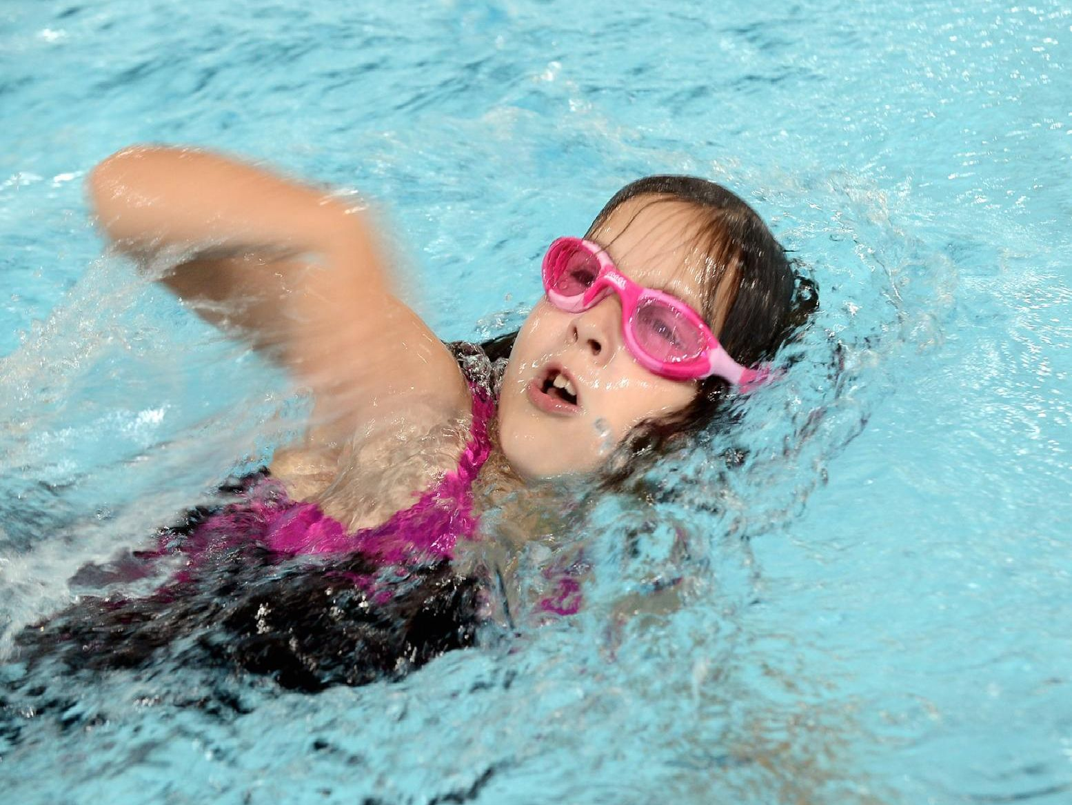 Action in the pool at the Chichester junior triathlon and aquathlon / Picture by Kate Shemilt