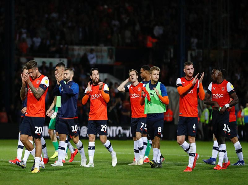 Luton players applaud their supporters after a 3-3 draw against Middlesbrough