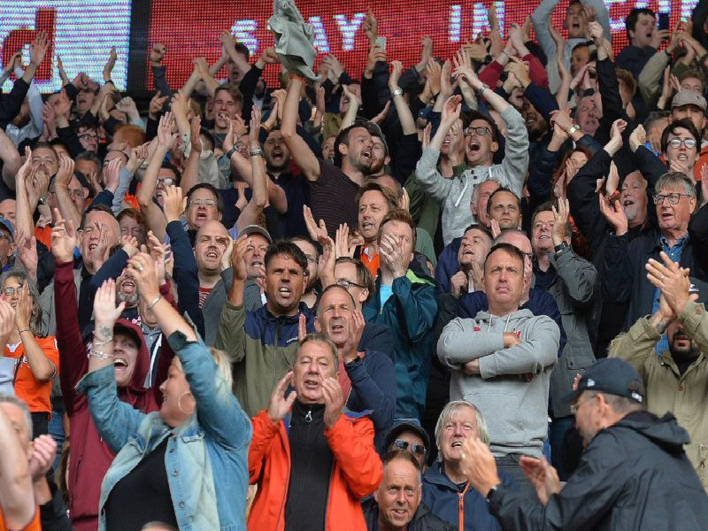Hatters fans in fine voice at Cardiff on Saturday