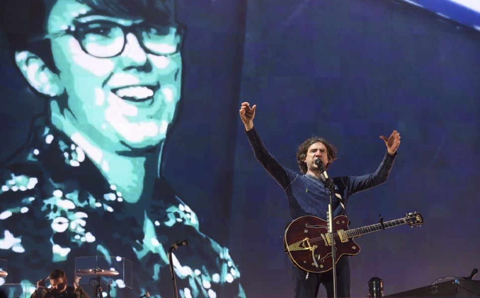 25/5/19: Gary Lightbody, lead singer of Snow Patrol with an image of murdered journalist Lyra McKee on the screen during their Ward Park 3 concert in Bangor. Picture: Michael Cooper