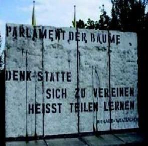 Parts of the historic Berlin Wall are to be sold at an auction in Billingshurst SUS-191101-102243001