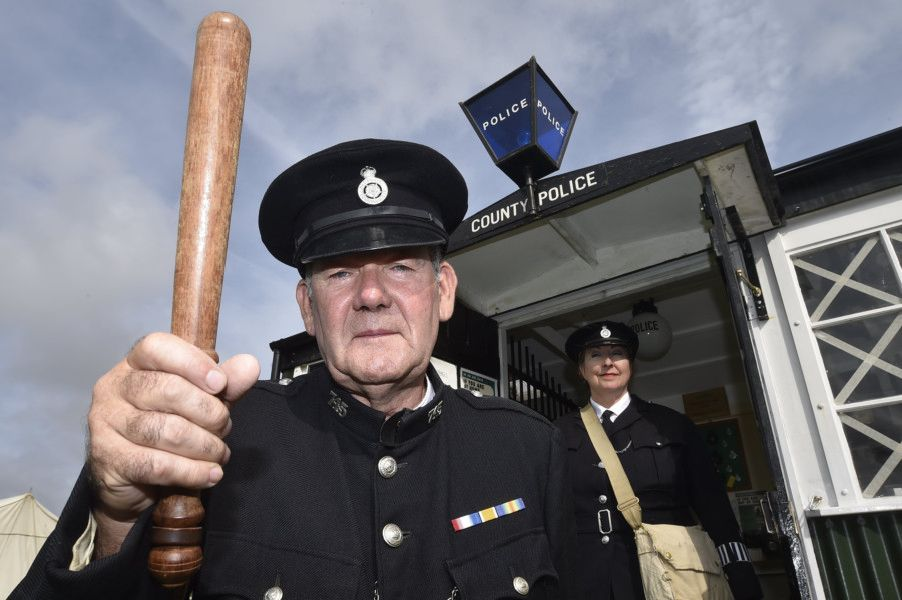 Baston in the Blitz 2019. Police officers  Barry and Jackie Anscomb-Moon EMN-190308-194613009
