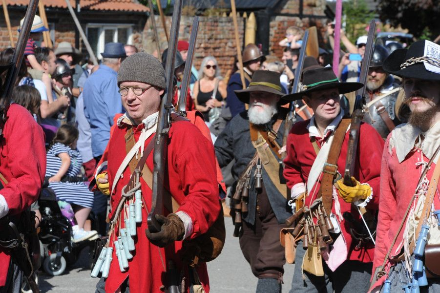 Sealed Knot re-enactors at the Seige of Crowland at Crowland Abbey. EMN-190914-190456009