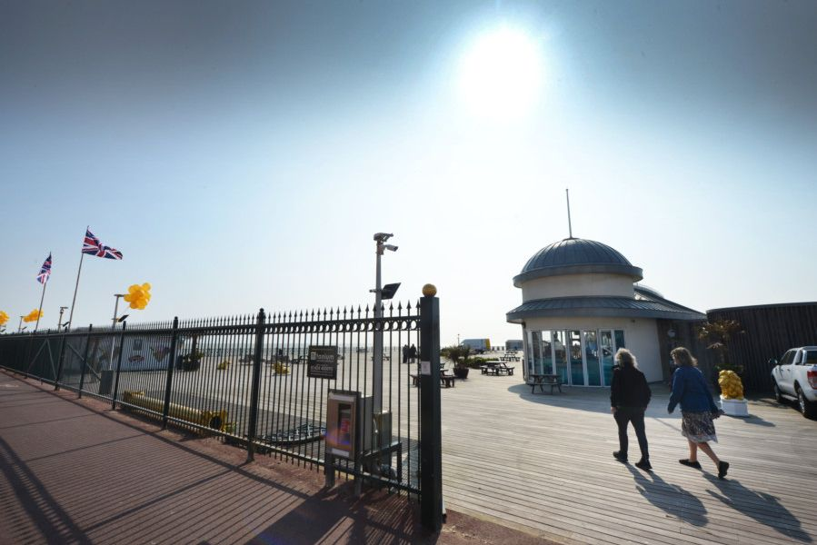 Hastings Pier reopens to the public 1/4/19 SUS-190104-122132001