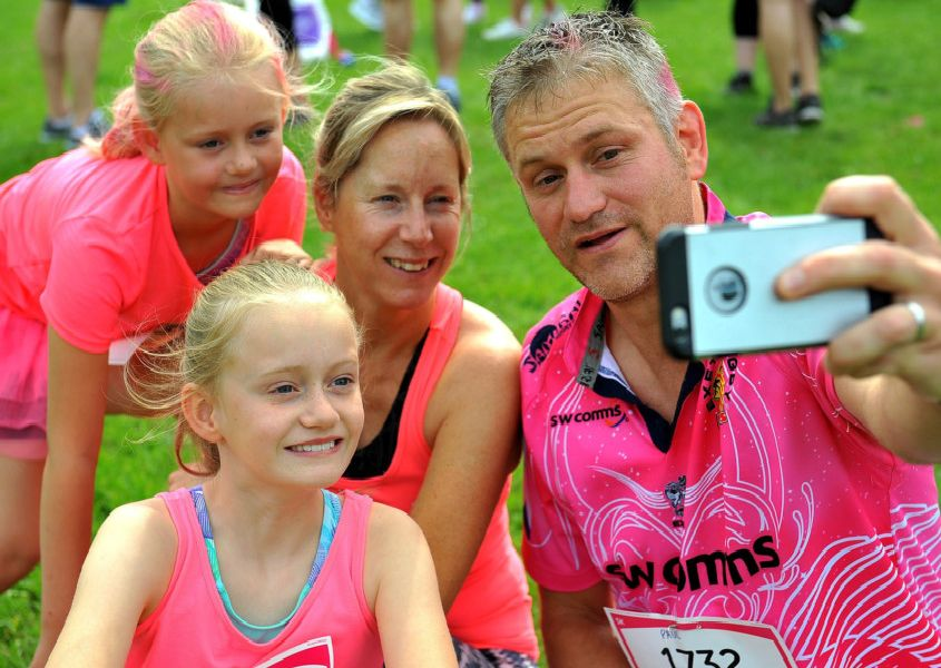 Horsham Race for Life. Pic Steve Robards SR1913672 SUS-190306-112624001