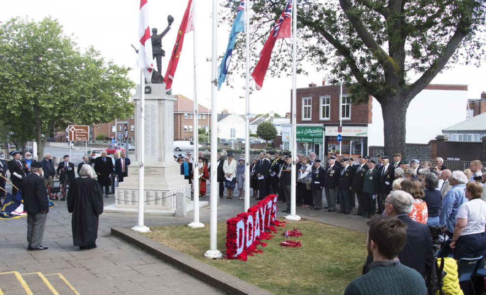 Dozens attended a service at Worthing War Memorial this morning (June 6) on the 7th anniversary of D-Day.