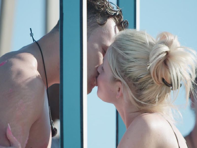Curtis and Amy share a kiss. Picture: ITV