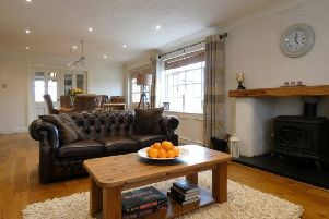 27 Crevolea Road offers bright and spacious accommodation