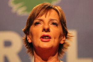 Sinn Fein's Irish Presidential candidate Liadh N� Riada said she would wear a poppy if elected.