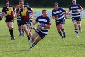 Tommy Gray goes on the attack for Banbury Bulls against Windsor. Photo: Simon Grieve