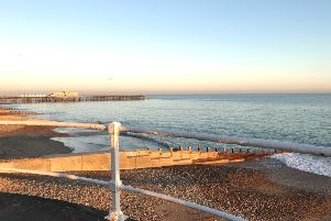 Hastings Sunny Weather SUS-190504-075738001