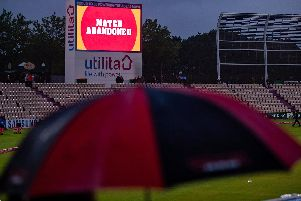 A picture that tells the story of the night as rain ruins the Vitality Blast opener at  the Ageas Bowl / Picture by Dave Vokes Photography