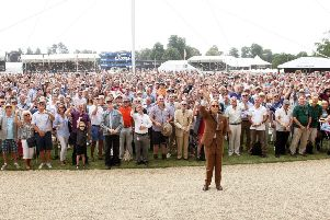 DM1871461a.jpg Goodwood Festival of Speed. The Duke of Richmond and members of the GRRC (Goodwood Road Racing Club) celebrate their 20th anniversary with a group photo. Photo by Derek Martin Photography. SUS-180713-112154008