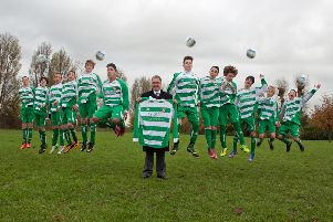 Aylesbury United Juniors U16s with their new kit courtesy of KY Green
