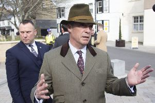 NIGEL FARAGE VISITS SHOREHAM 15-4-19 SUS-190416-104155001