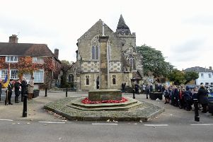 ks190613-1 Midhurst Remembrance (Mon)  phot kate'The scene at the Midhurst War Memorial.ks190613-1 SUS-191111-185656008