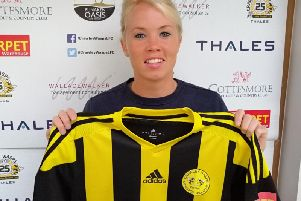 Rebecca Carter signs for Crawley Wasps