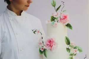 Wedding cake designer