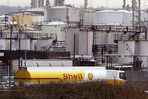 Irish energy minister Richard Bruton says there will be no difficulty accessing oil supplies stored in Derry.