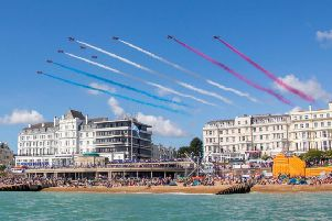 Airbourne display at Eastbourne SUS-180815-125706001