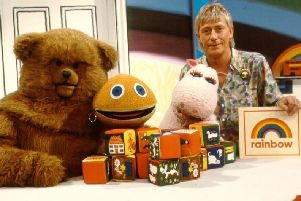 Geoffrey, Bungle, and the Rainbow gang SUS-180210-074935001