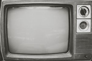 Black and white TV SUS-180911-091048001