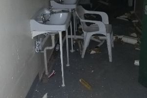 The damage caused by the vandals SUS-181112-142943001