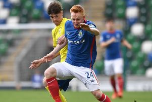 Midfielder Robert Garrett has signed a two and a half year deal at Mourneview Park.