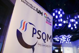 Two schools in Luton have been awarded a PSQM award