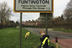 Monty in on a mission to keep the streets on Funtington clear of litter