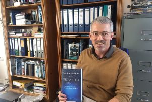 David Mearns with his new book 'The Shipwreck Hunter' SUS-170921-125334001