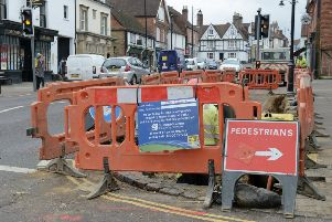 ks190046-3 Midhurst Road Works   phot kate'Road works in Midhurst.ks190046-3 SUS-190129-183437008