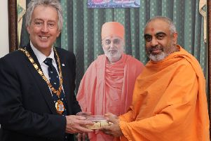 MPMC mayor visits Neasden temple