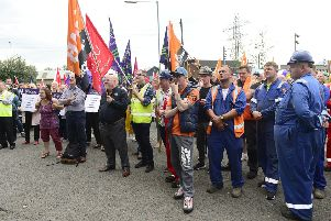 Workers continue their protest at the entrance to Halrland and Wolff in Belfast. 'Picture By: Arthur Allison/Pacemaker.