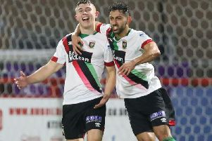 Paul O'Neill and Navid Nasseri have agreed new contracts with Glentoran