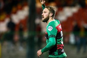 Hrvoje Plum has signed a contract extension with Glentoran
