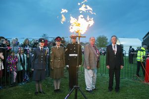 Beacon lighting for the Queen at Wootton NNL-160422-064345009