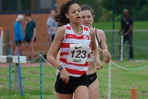 Emily Williams on her way to a personal best in the 800m