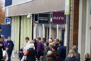 Dorothy Perkins, Evans and Burton are to close