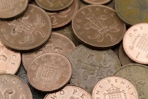 What are the legal tender amounts acceptable for the UK coins?