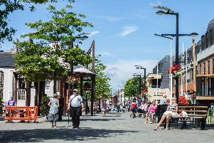 Fareham town centre will see a team of two security guards patrolling the area as part of a 12 month trial.