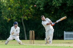 James Goodwin batting for Willoughby, with Dunchurch & Bilton wicket keeper Colin Horton