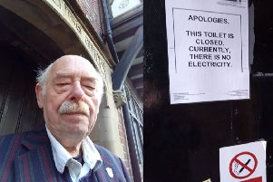 Lewes''deputy mayor Stephen Catlin has criticised the council over the toilet closure