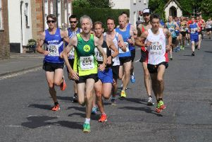 Thame 10k leaders at the 1.2km point. Picture: Barry Cornelius