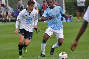 Harry Winks in action for the Spurs U18 team PNL-141128-075215002