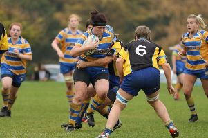 Lorna Holloway in possession for Old Leamingtonians against Kenilworth on Sunday. Picture: Tim Nunan
