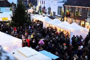 Arundel Xmas Lights Switch On. Arundel by Candlelight 2014. The annual Christmas lights switch in Arundel by Her Grace the Dutchess of Norfolk. Arundel. Picture : Liz Pearce. LP061214XLA02 SUS-140612-211922008