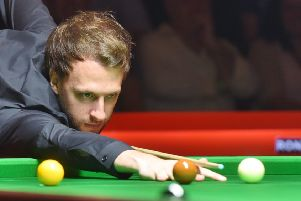 Ronnie O'Sullivan and Judd Trump at the Cresset EMN-160409-093920009