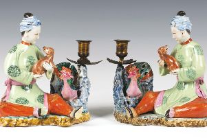 A fine, rare pair of Chinese famille rose enamelled export porcelain figure groups of seated maidens with spaniels and phoenixes, early Qianlong period (1735-1796). SUS-180312-104708001